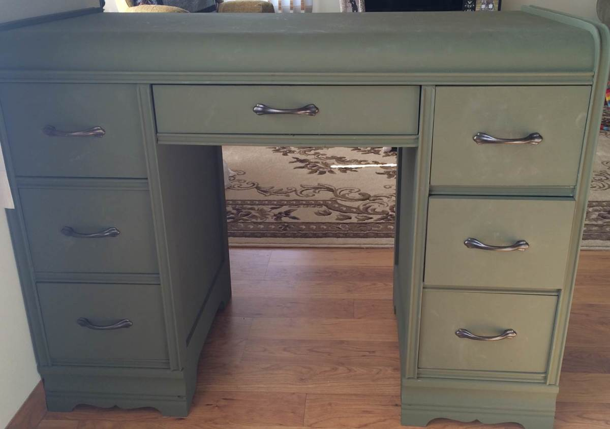 Our finished chalk painted desk