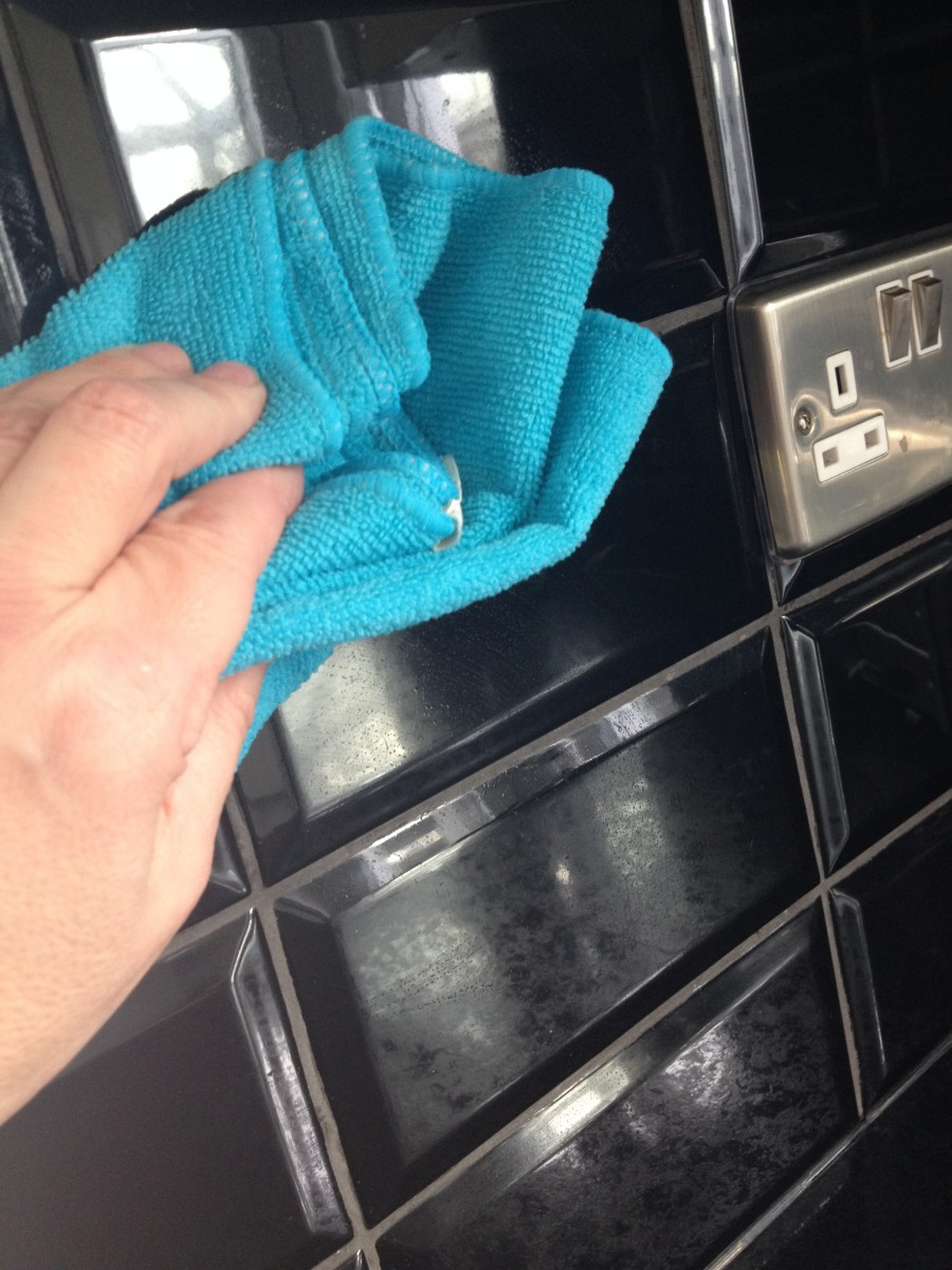 2. Polish the tiles after rinsing with a dry cloth.