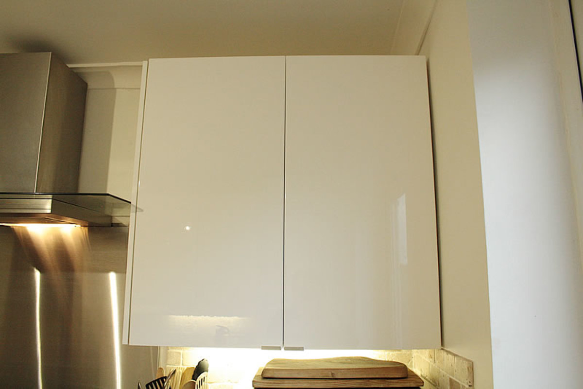 Wall unit next to cooker