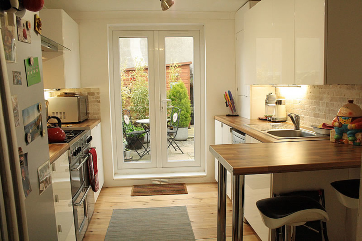 Kitchen Remodelling - From Basic Design To Small Scale Luxury