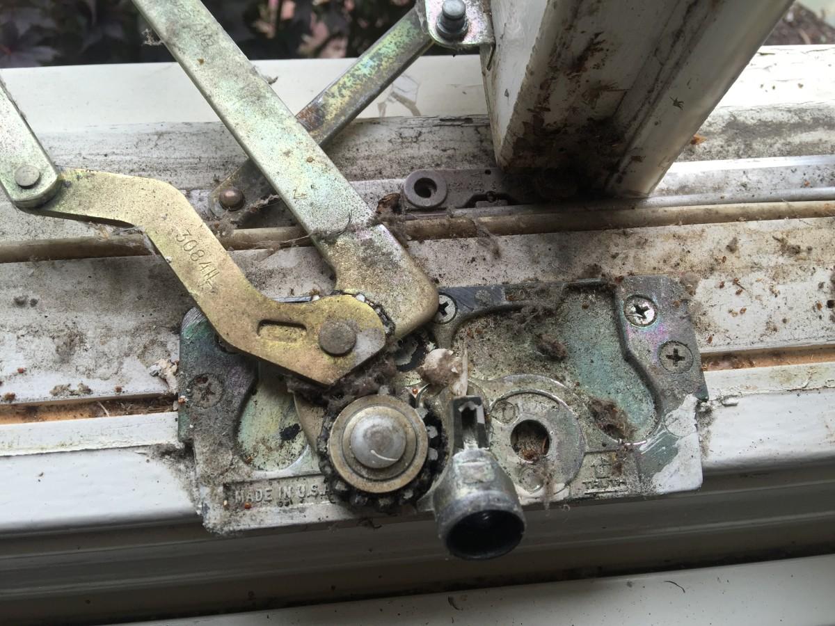 Unscrewing a Broken Window Crank