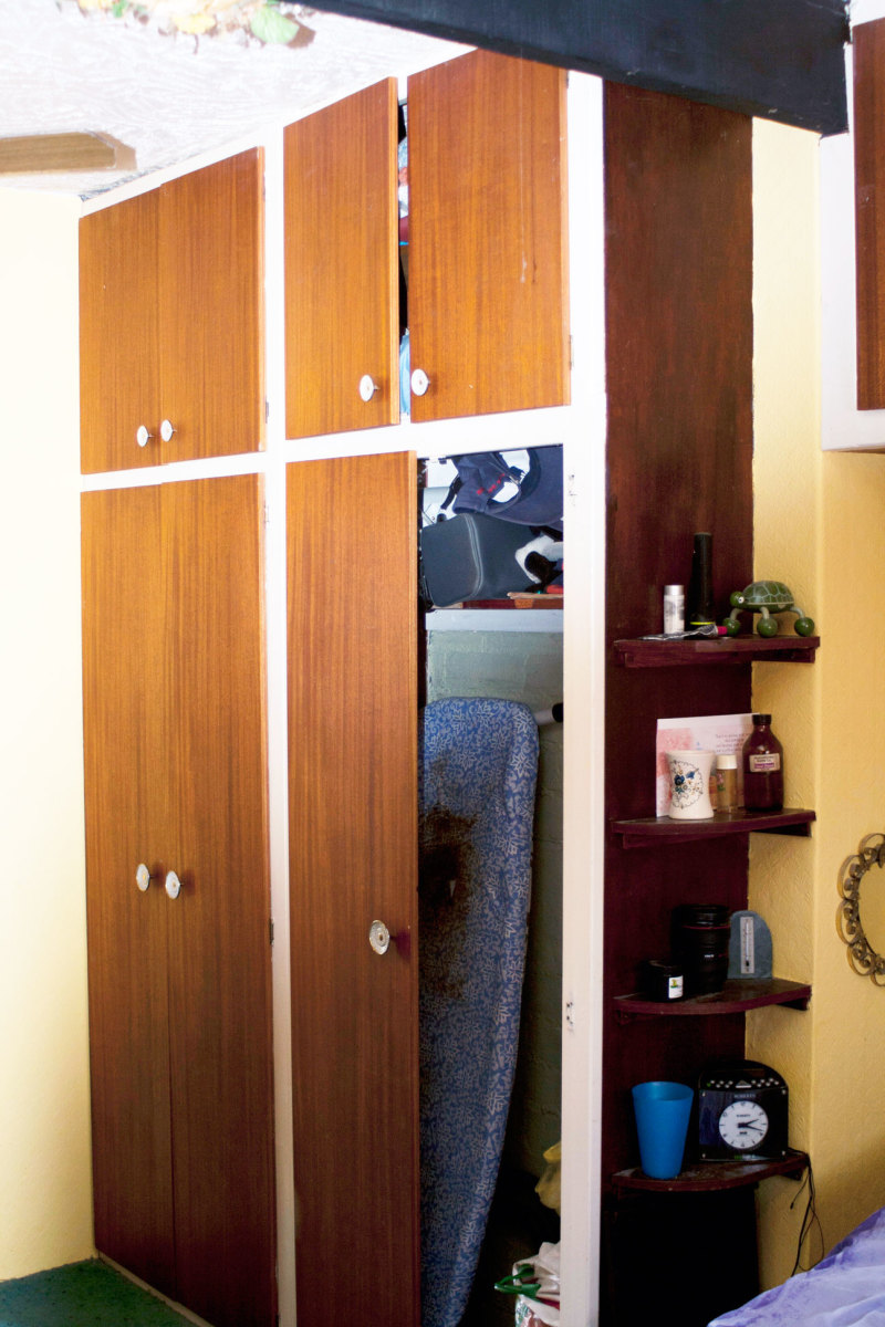 original built in wardrobe functional but not mirrored - Built In Wardrobe