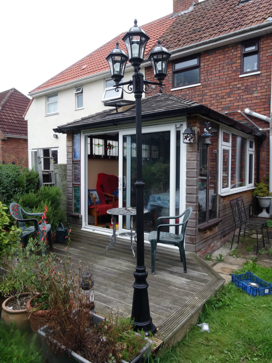 Lamppost as part of the decking décor.