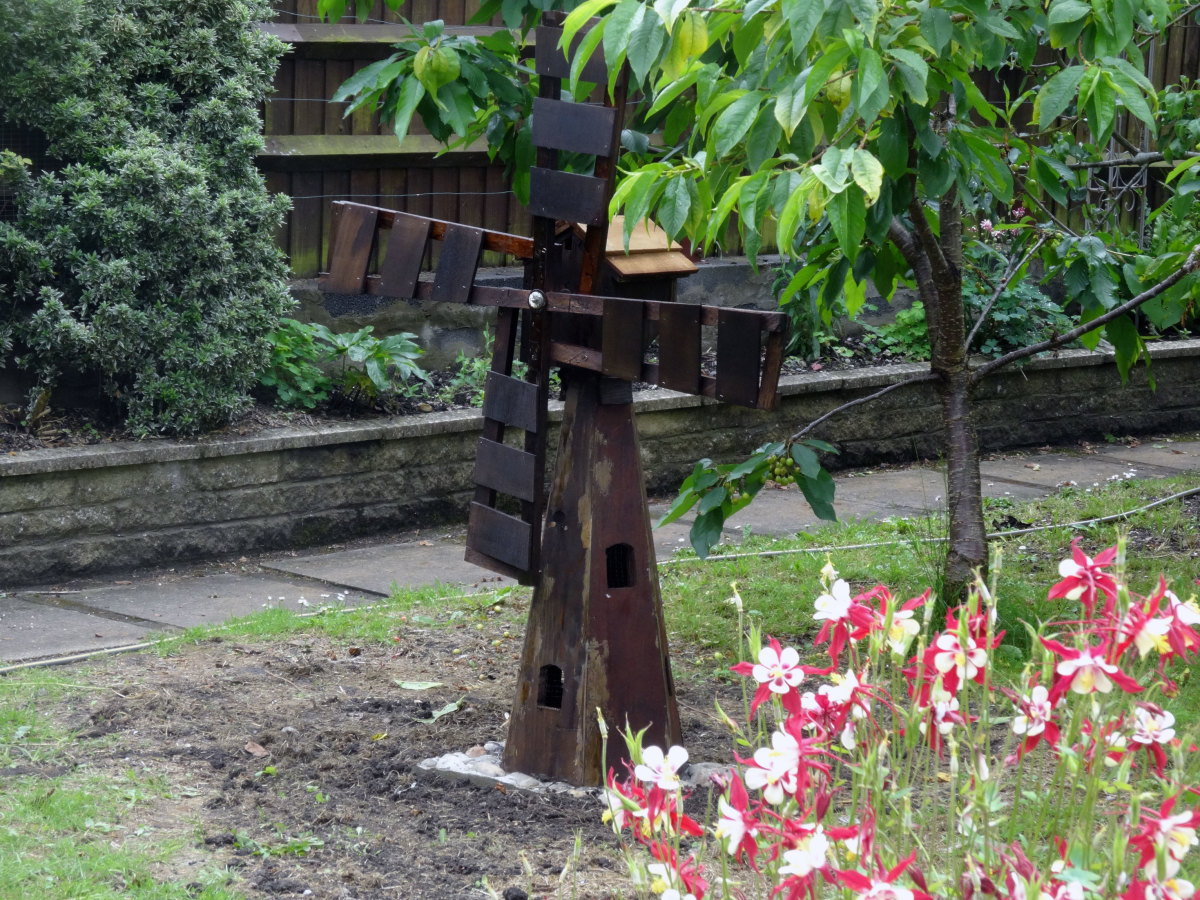 Renovating an Ornamental Garden Windmill