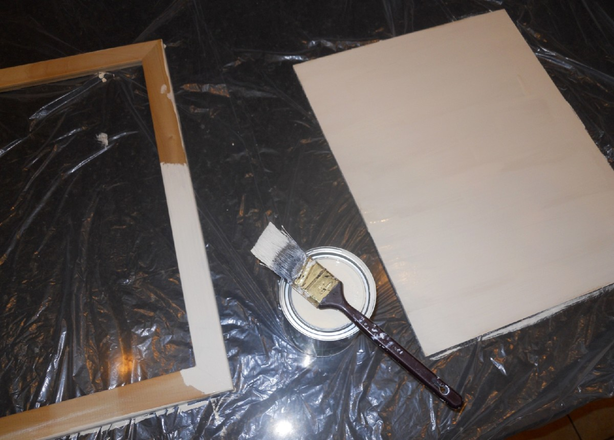 Paint the insert and the frame.  They may need a second coat.  Let dry completely.