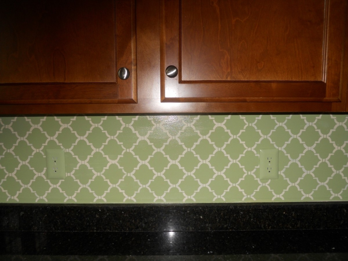 Stenciled Kitchen Back Splash