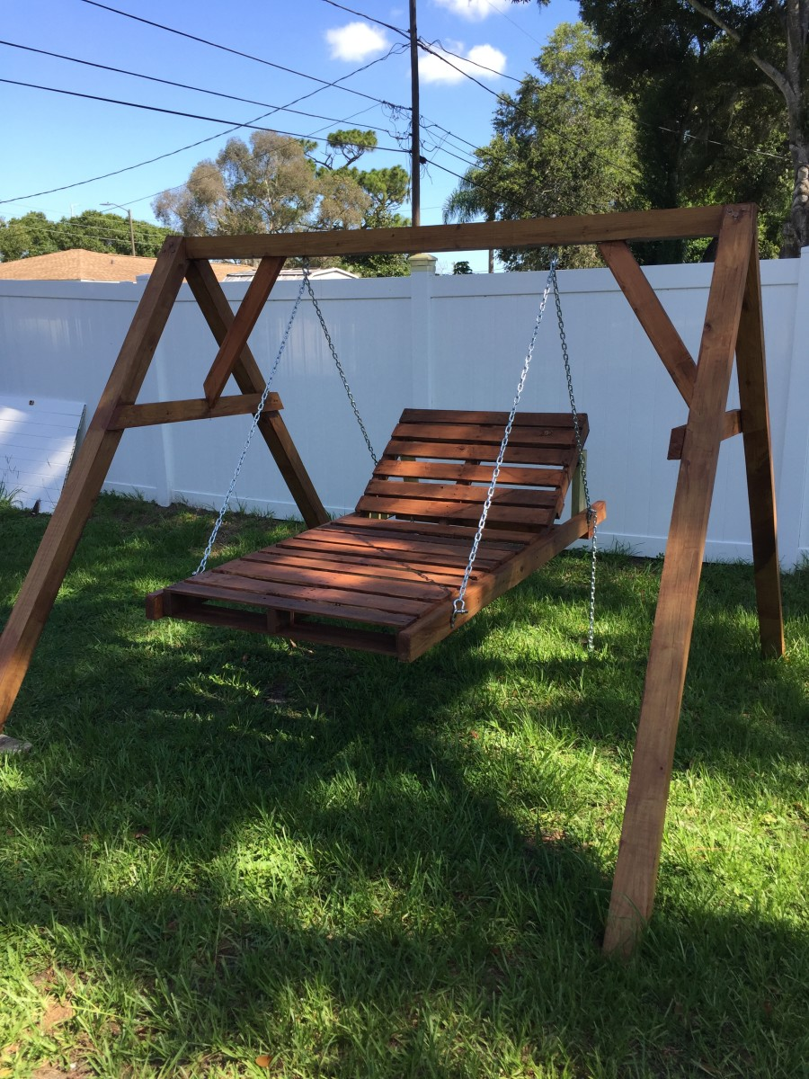 DIY Chaise Lounge Pallet Swing for $150