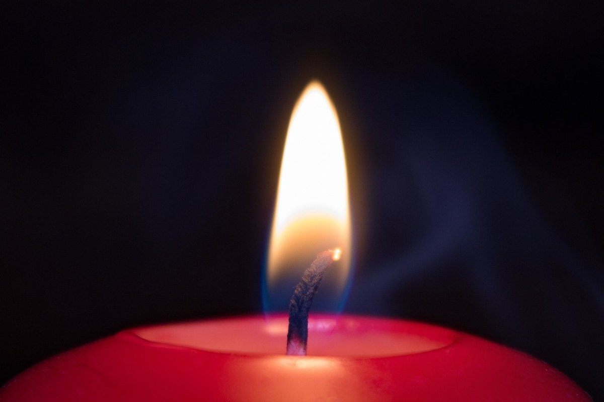 How to Enjoy the Aroma of Scented Candles Without Burning Them