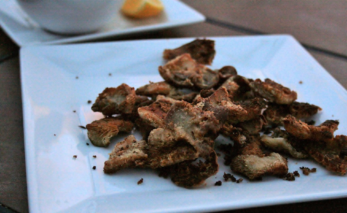 Sauteed brown oyster mushrooms, fresh from the kitchen counter.