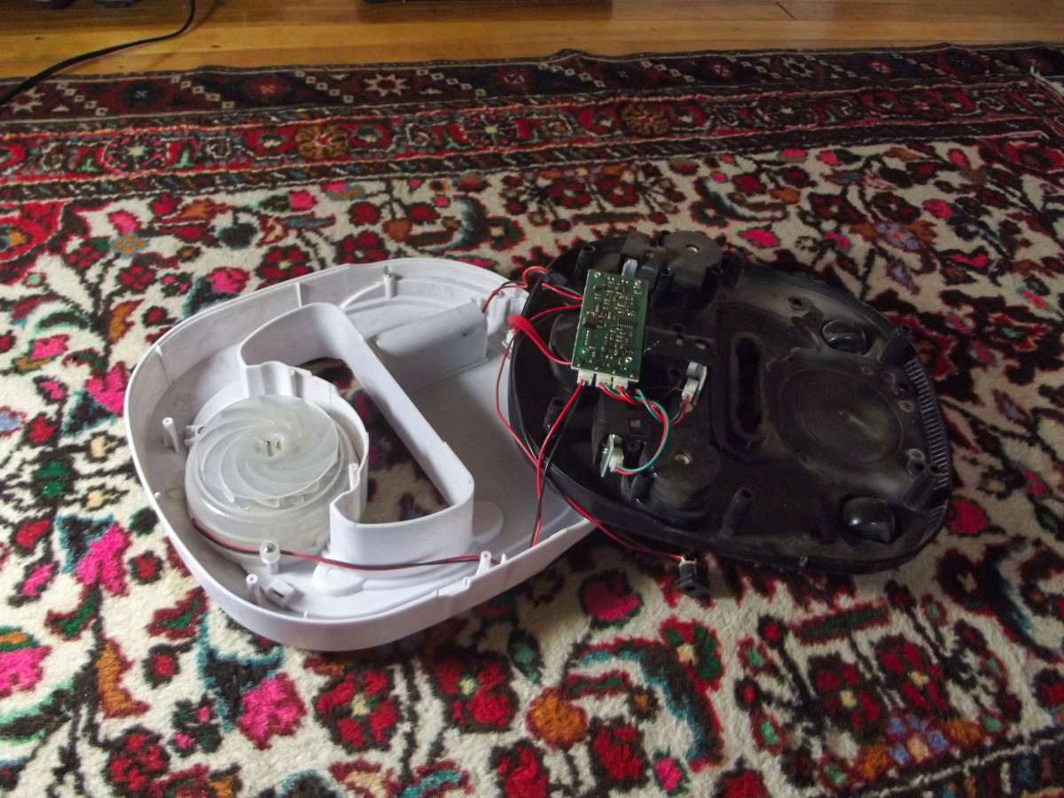 Inside the WOHOME Robotic Vacuum Cleaner
