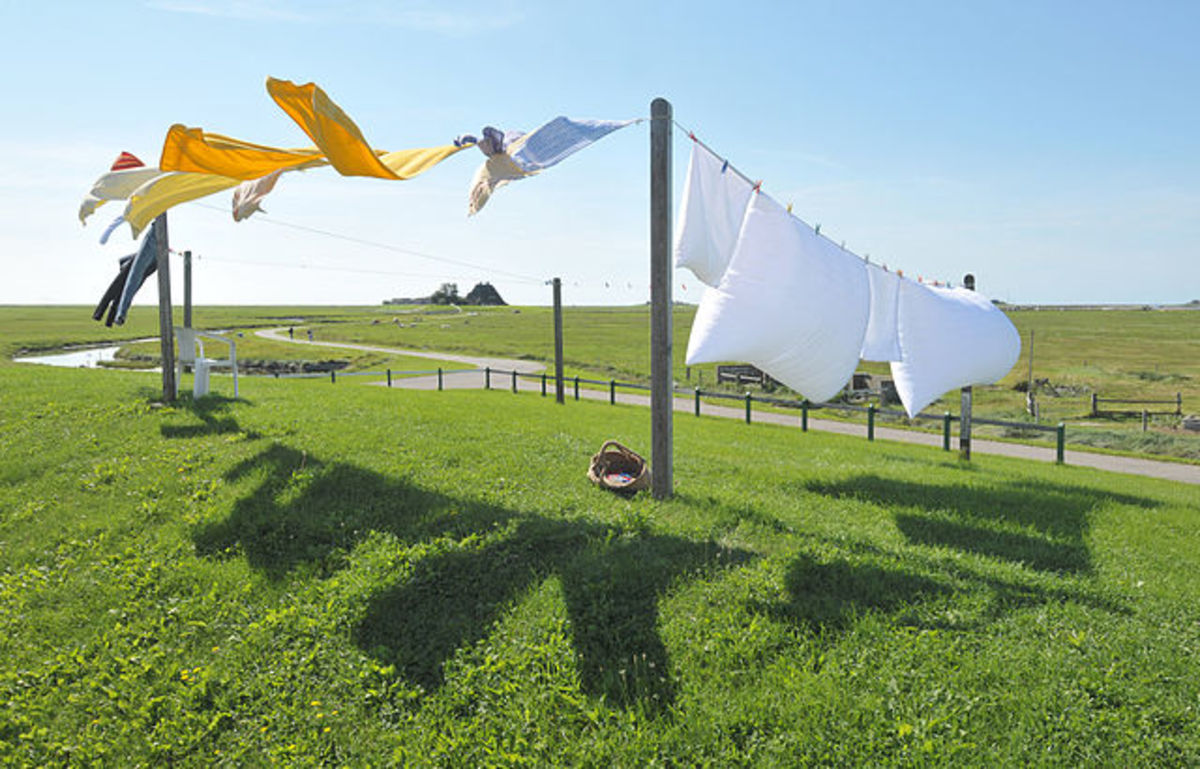 How to Wash Laundry Without Electricity