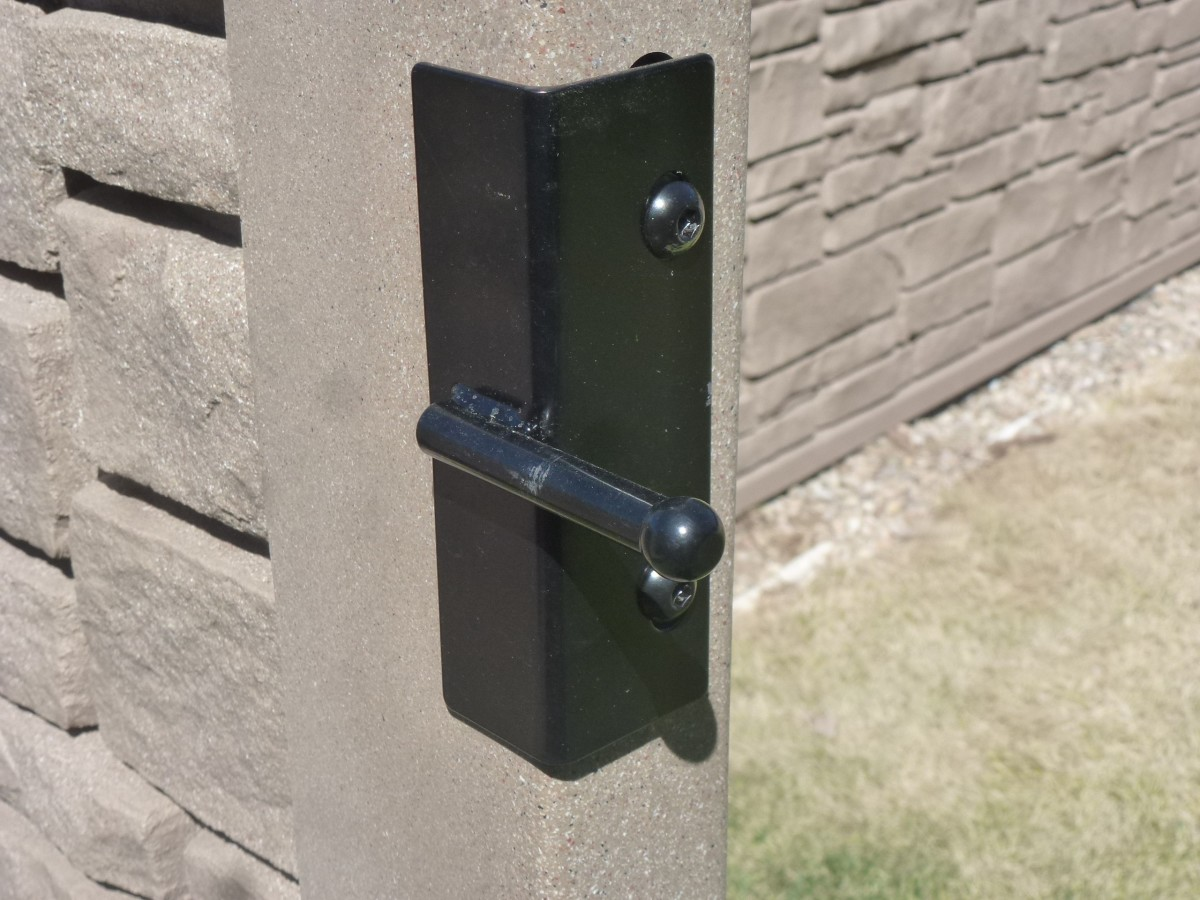 Latch pin, fastened to gate.