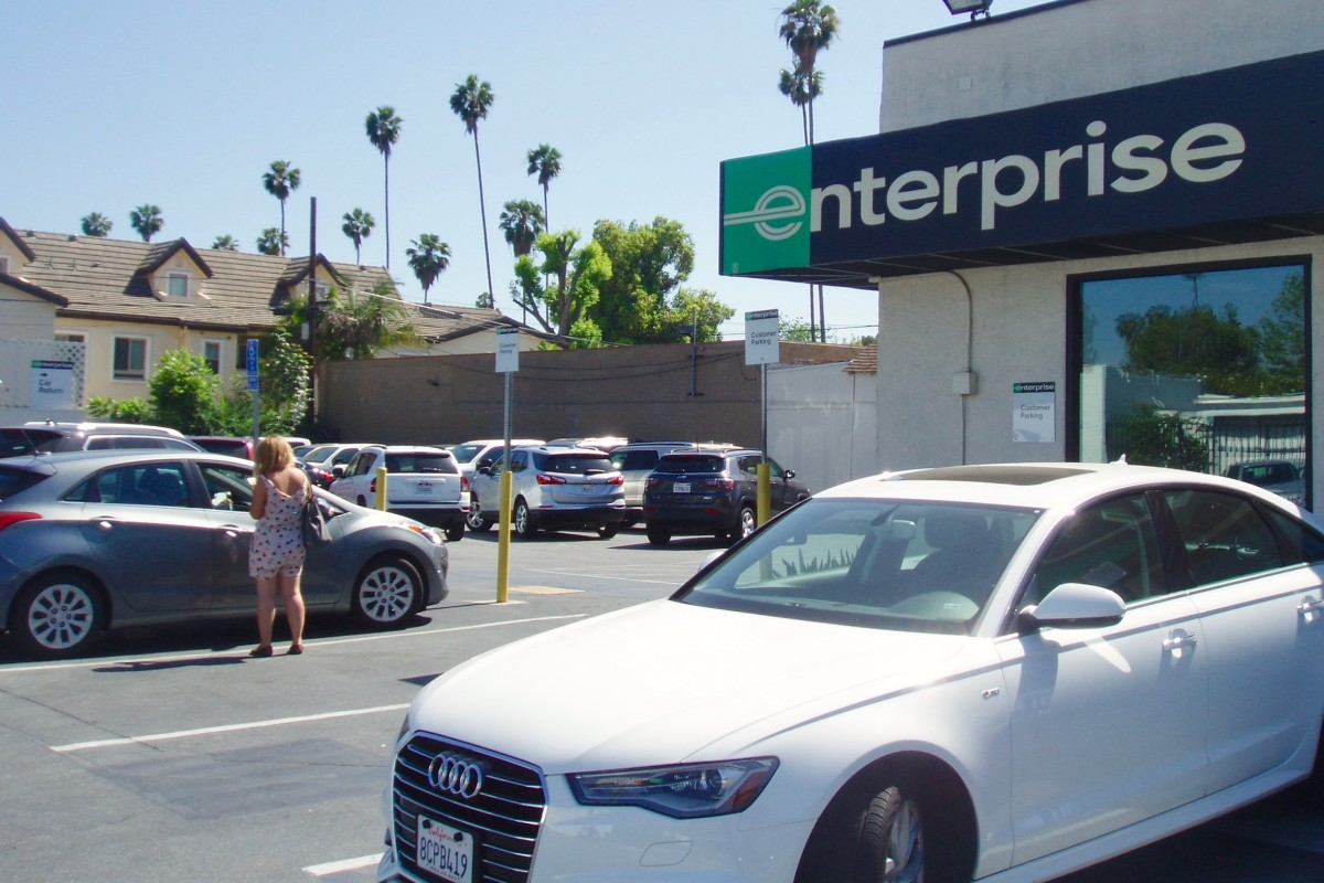 Enterprise use to offer weekend specials, but I guess they've given that up recently. However, Enterprise is not the only rental agency available.