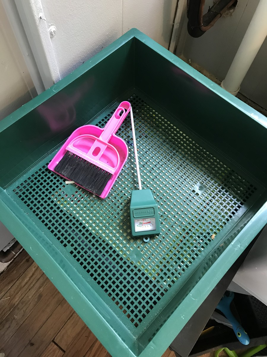 You may also wish to get a pH meter to test the acidity of your bin, and a hand broom and dustpan to clean up any mess you may make. Extra trays are also recommended later on if you need to expand your Worm Factory 360.