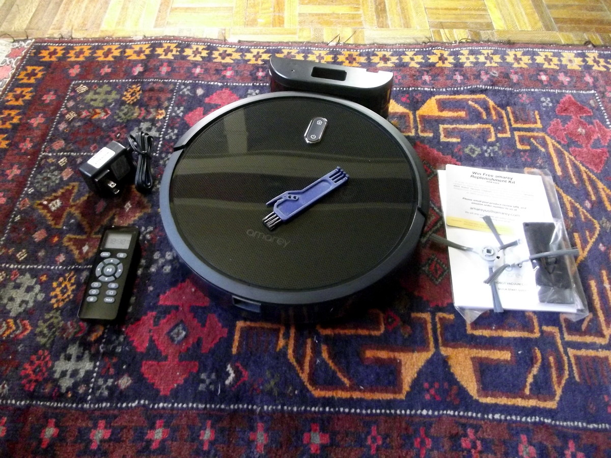 Amarey A800 Robotic Vacuum Cleaner with accessories