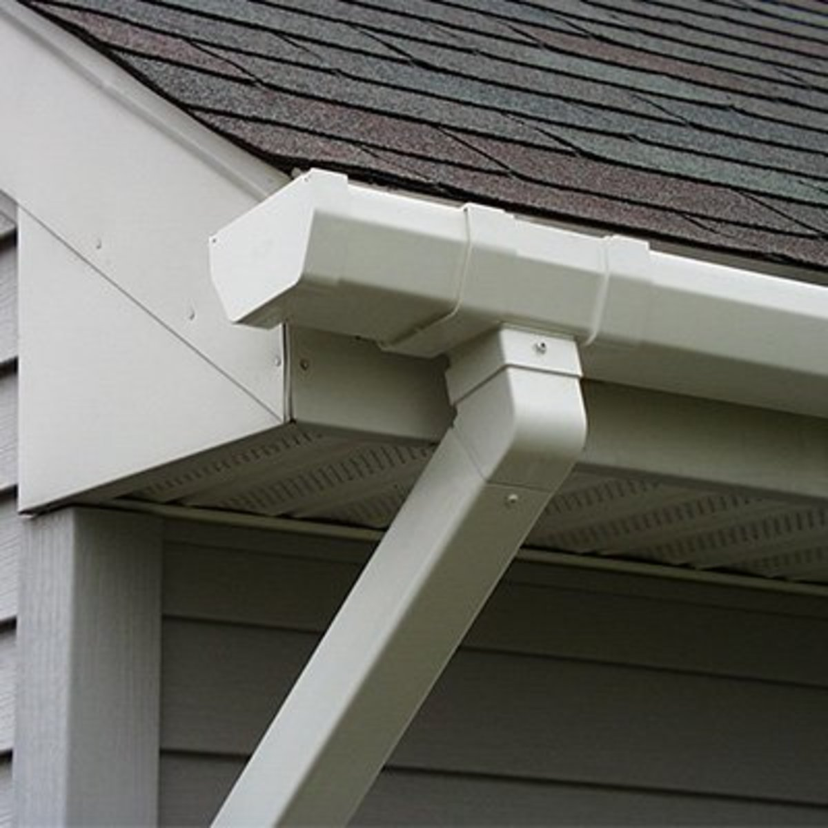 Tips for Spray Painting Gutters and Downspouts | Dengarden