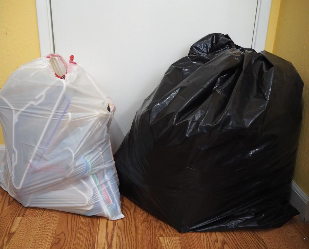 Review of the KonMari Method of Decluttering