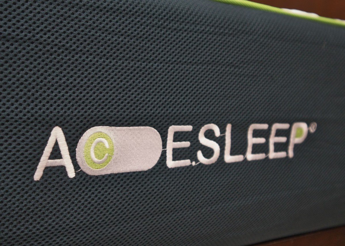 The mesh siding on this mattress lets air easily flow into the various layers of the bed, keeping you cool at night.