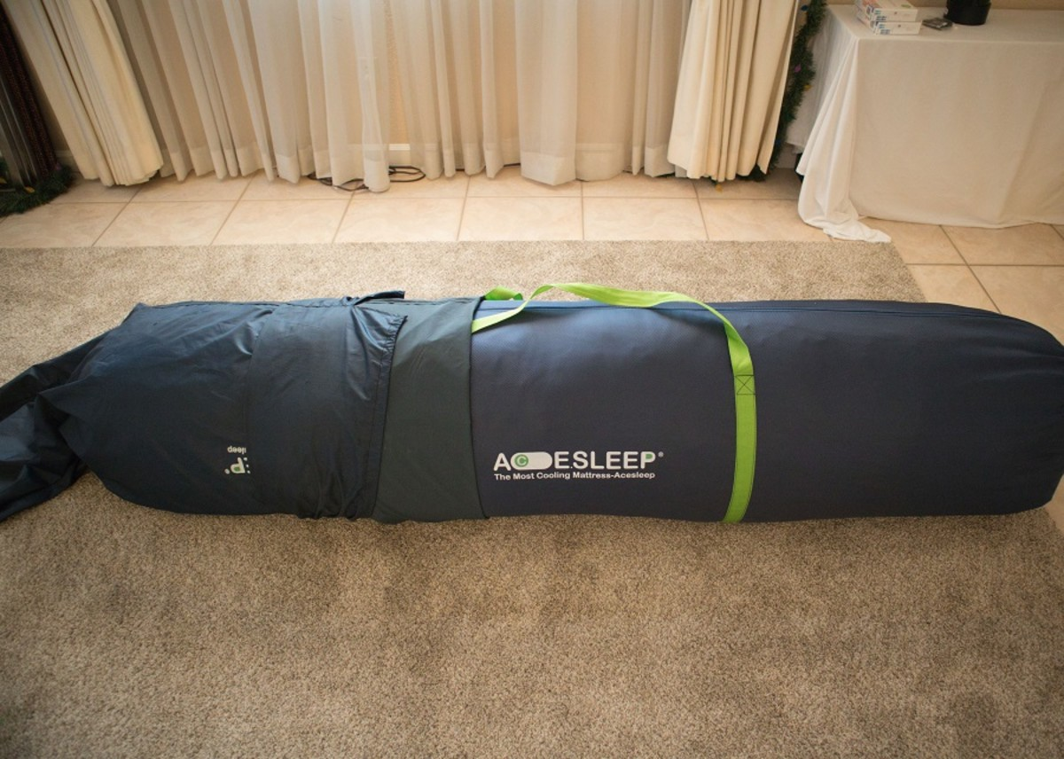 Removing the outer, drawstring bag that this mattress is shipped in reveals another, inner bag.