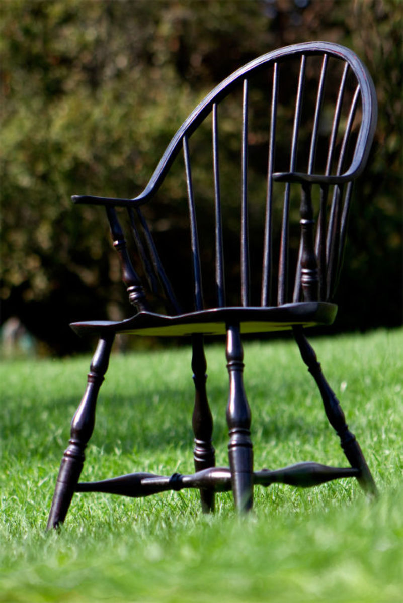 Completed continuous arm Windsor chair.