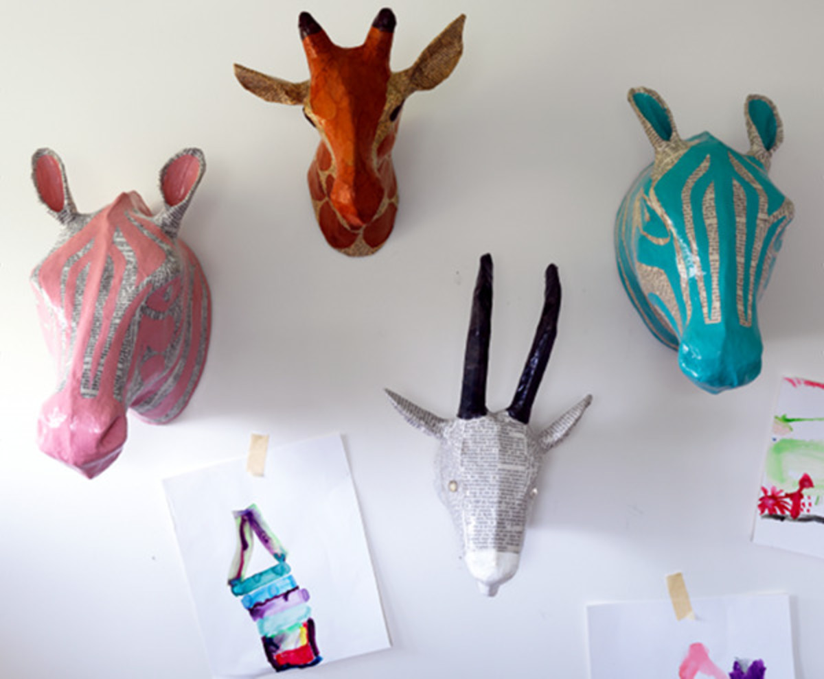 Paper maché animal heads also look precious in the little one's nursery.