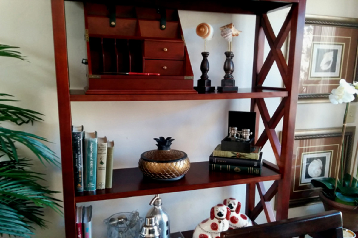 Bookshelf Styling Tips From the Experts