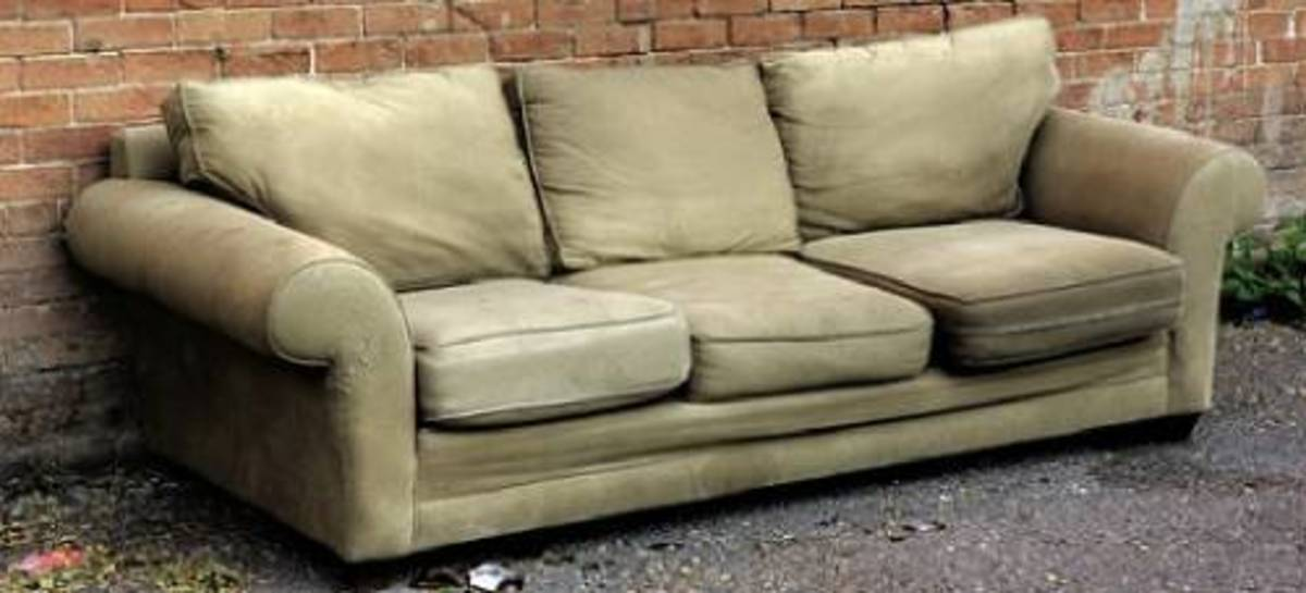 Simple Ways to Beautify Your Old Sofa
