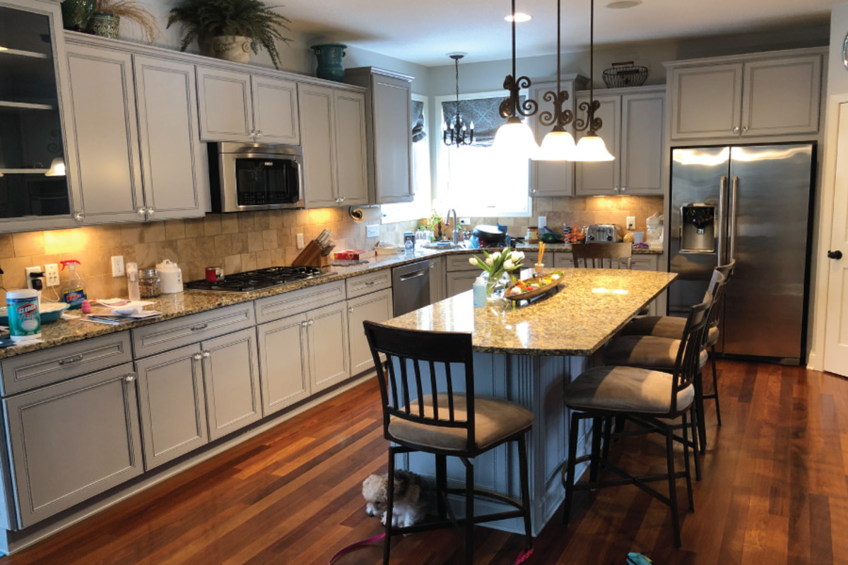 Tips for Successfully Refinishing Kitchen Cabinets
