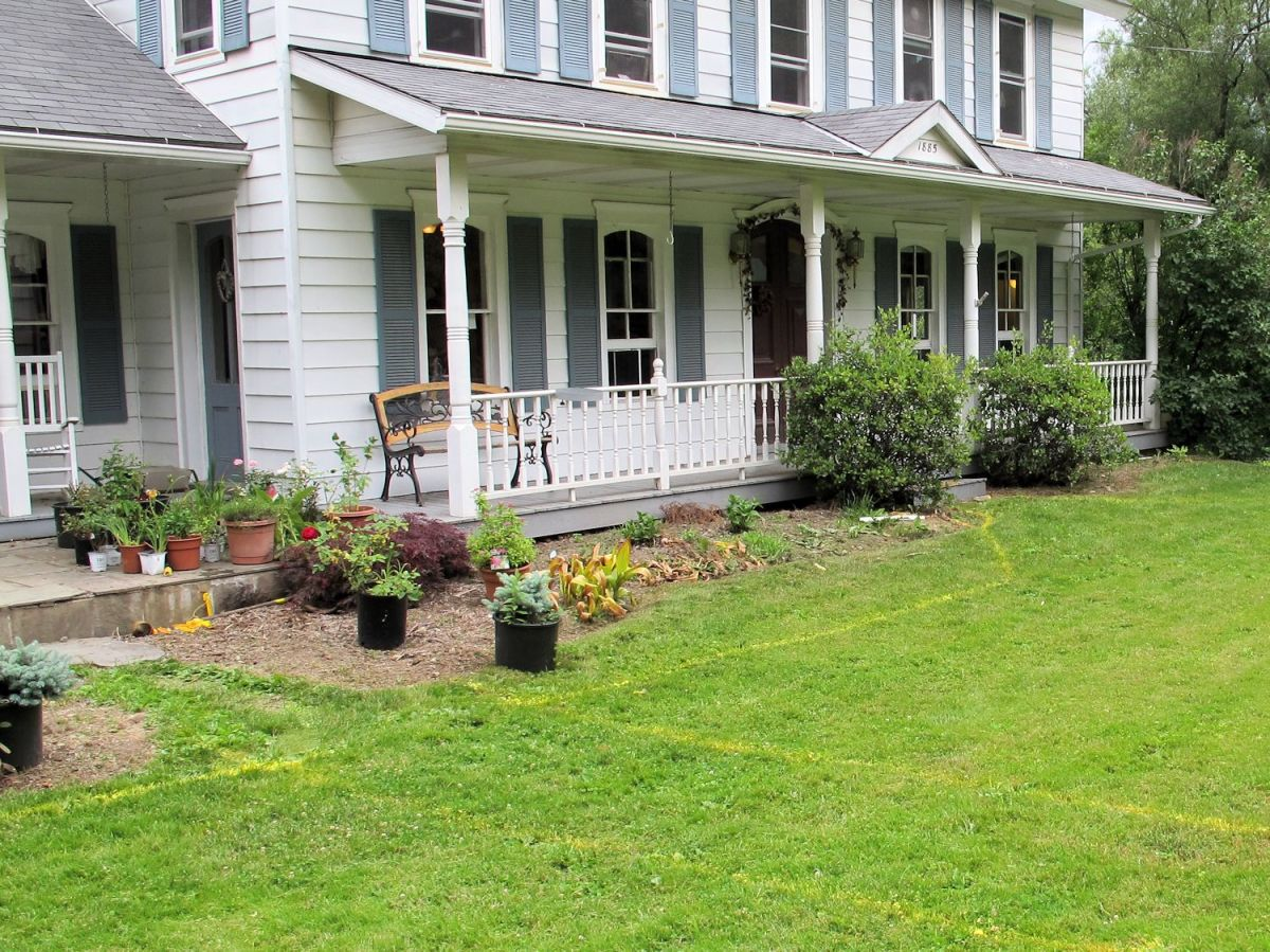 Spray the preferred shape and dig up the sod to make your new flower bed.