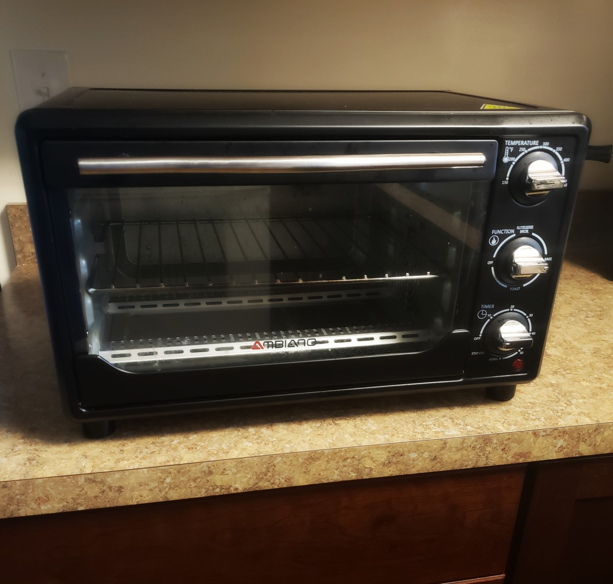 This convection oven makes cooking and baking quick and easy!