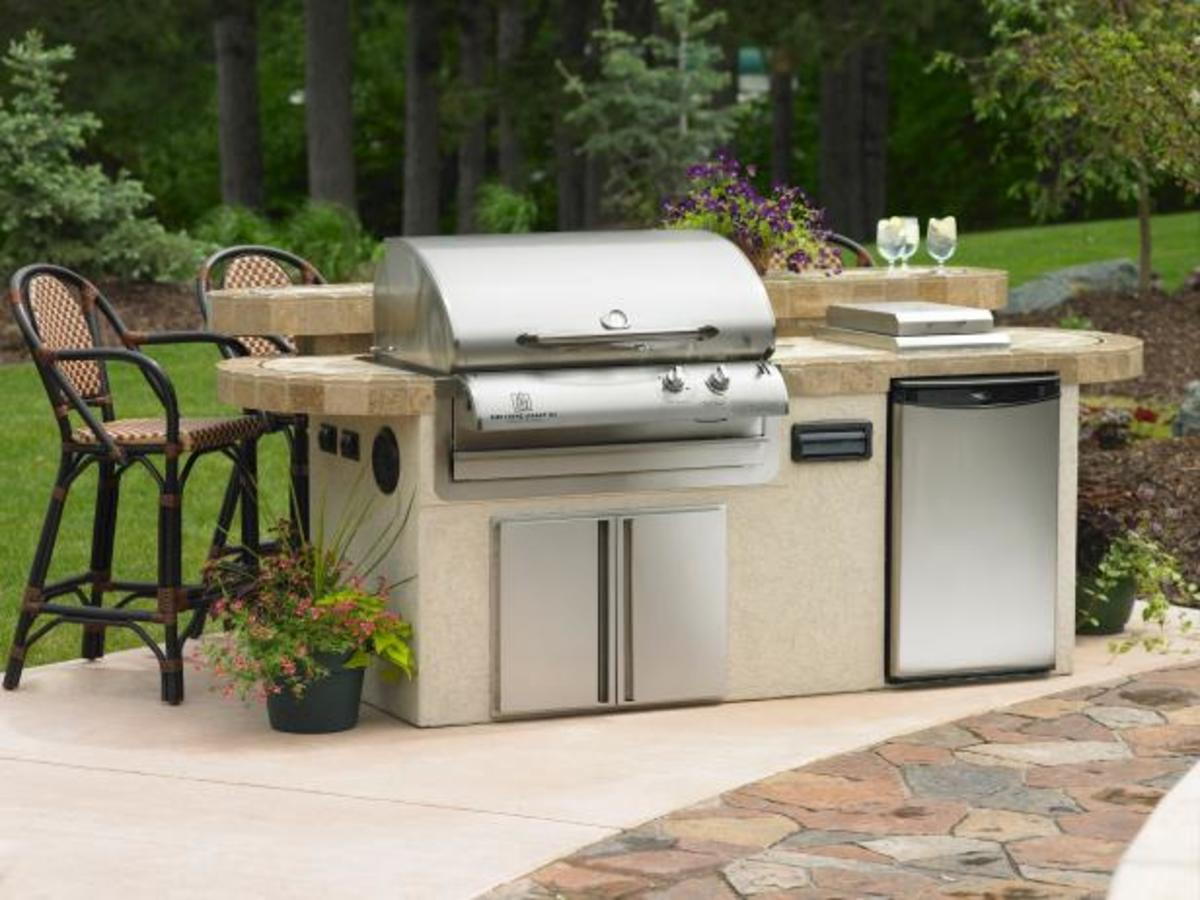 You can choose a freestanding or a built-in grill.