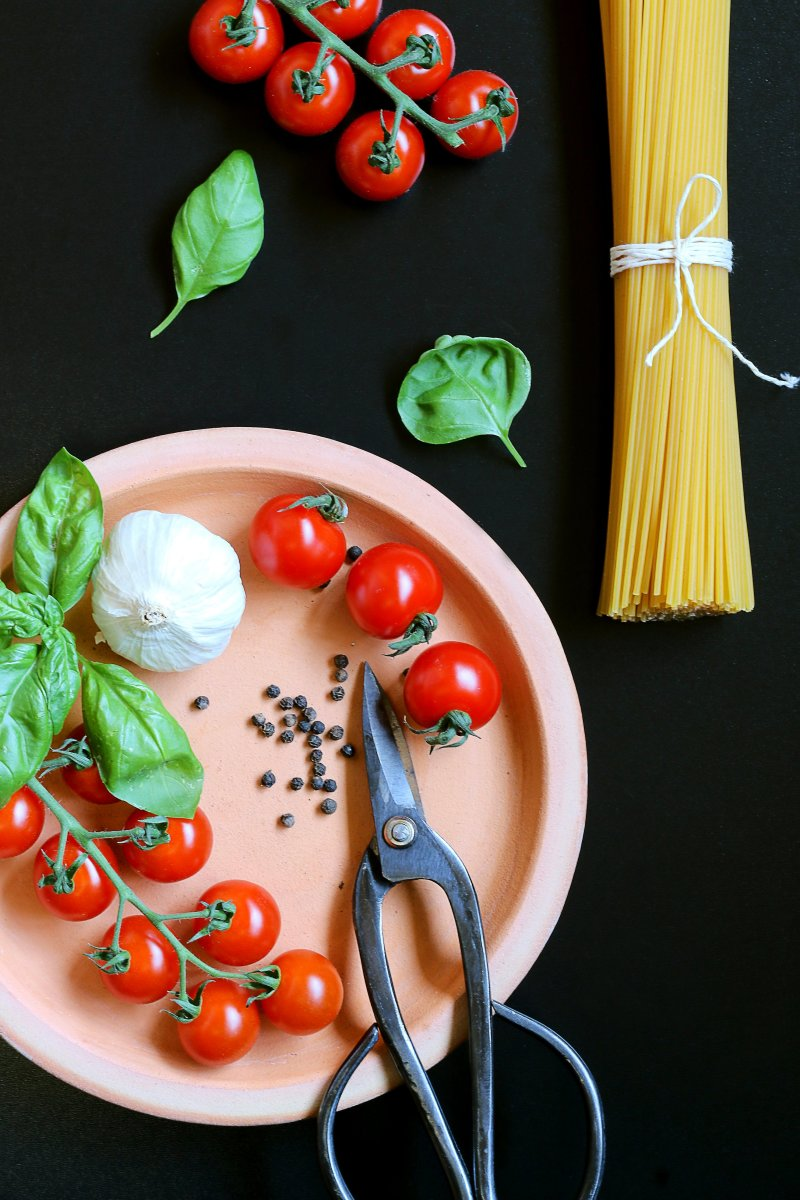 Basil and tomatoes make a great pasta sauce.
