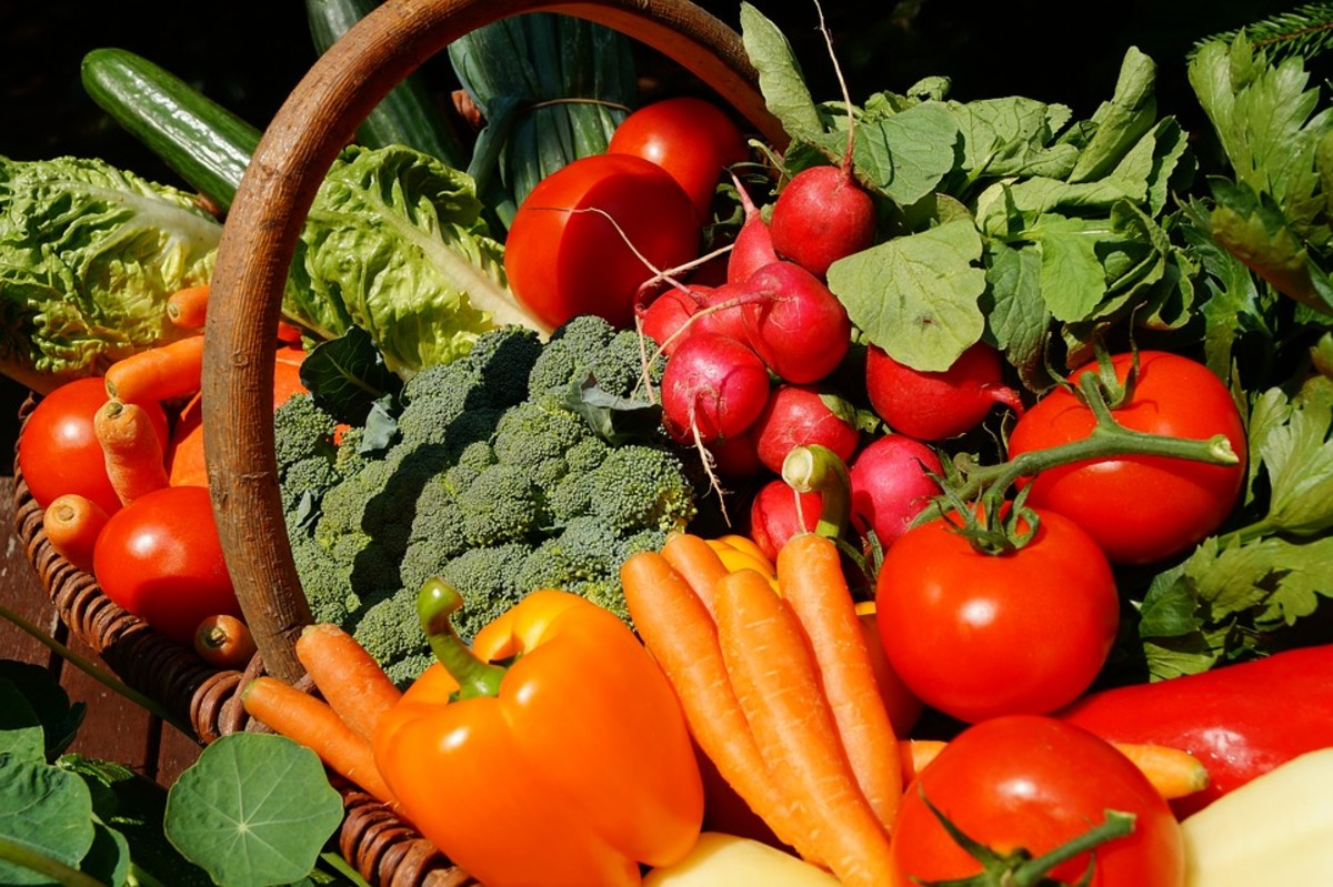 This article will provide information on some of the benefits of planting fast-growing vegetables, as well as list some suggestions for quick crops to start planting today.
