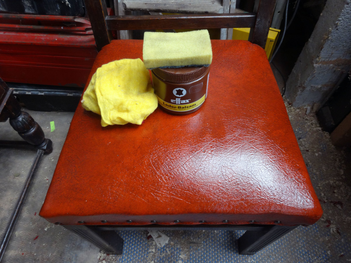 Applying the Leder-Balsam to give the leather seats a nice sheen.