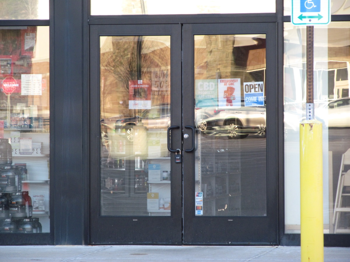 A Guide to Electric Locking for Pairs of Aluminum Storefront Doors