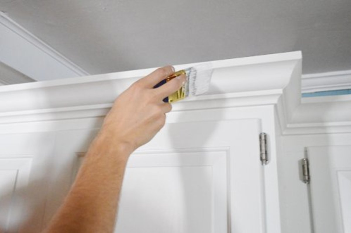 tips-for-painting-crown-molding-white