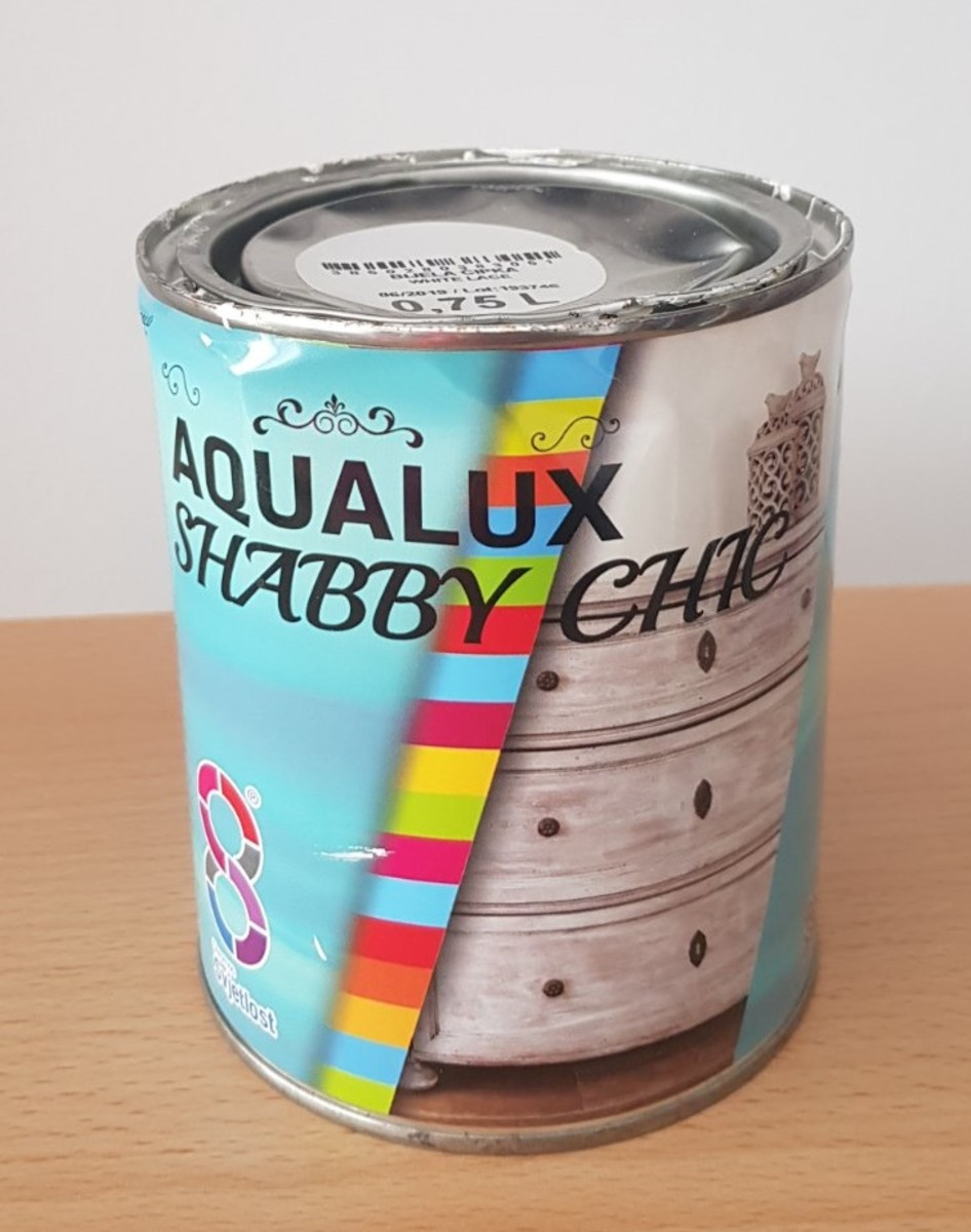 I used white Aqualux Shabby Chic wood paint for my base paint—it has a matte finish and dries off really quickly.