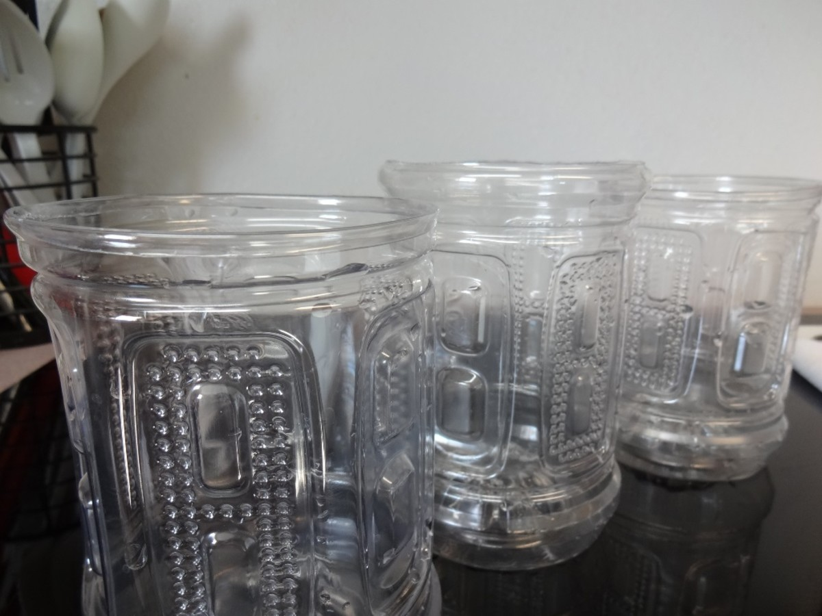 Sports bottles after cutting and ironing the rim.