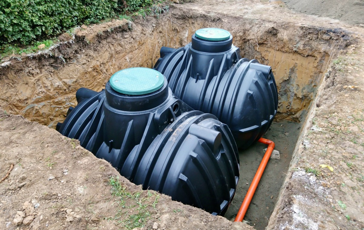 Dry systems are usually used to store larger amounts of water, so they are often used in farms or facilities.