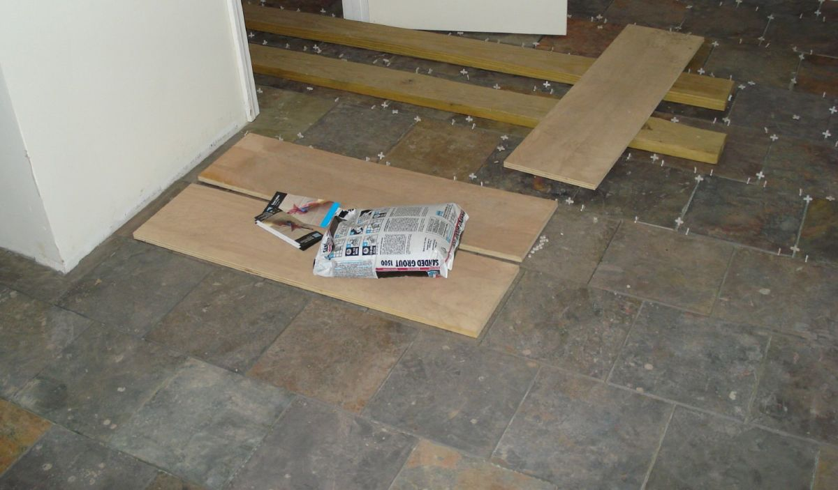 Diy How To Refinish Seal And Maintain A Slate Tile Floor Dengarden