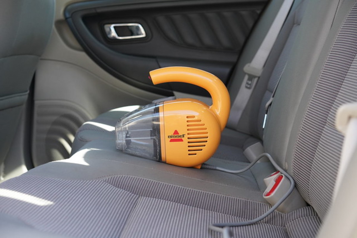 rechargeable-hand-vacuum