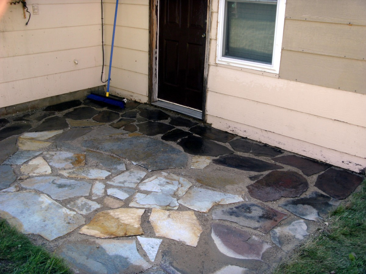 how to install or lay flagstone pavers building a flagstone patio hubpages. Black Bedroom Furniture Sets. Home Design Ideas