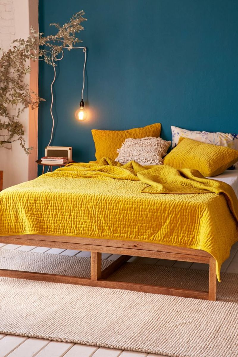 Contrasting Yellow and Blue