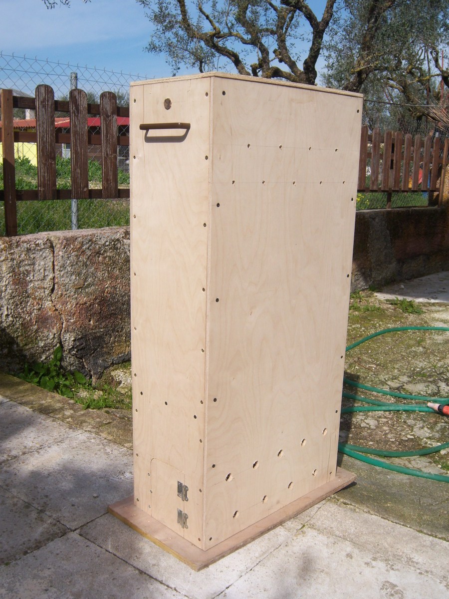 Your finished biltong box should look something like this.
