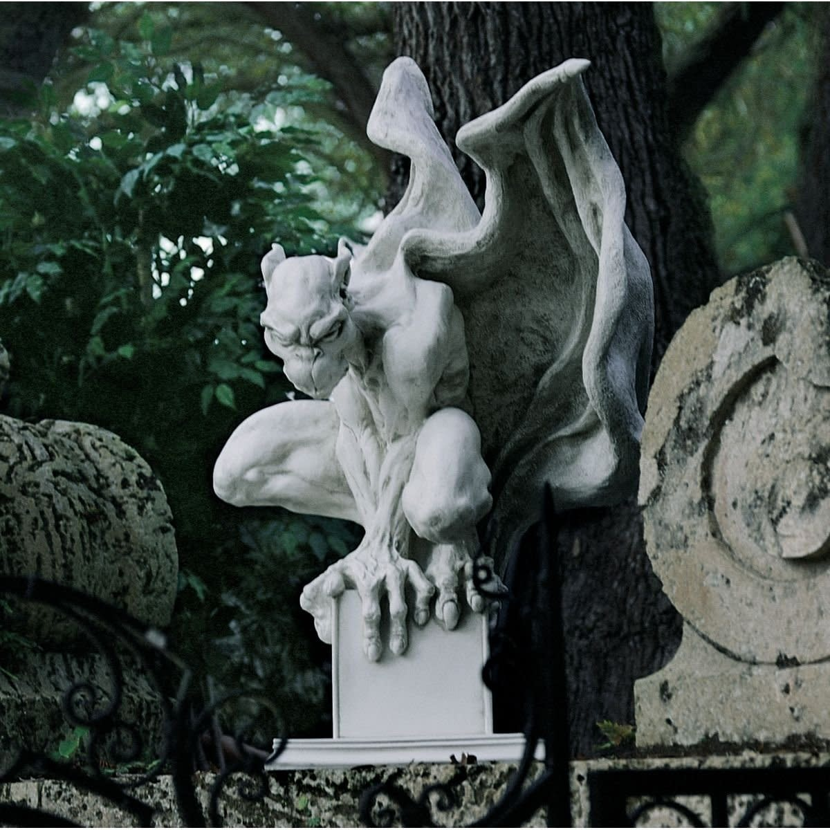 Draga The Vampire Gargoyle Statue
