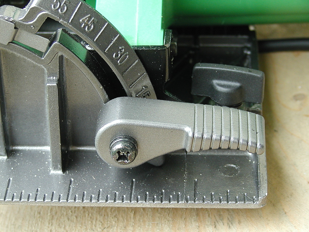 Sturdy metal lever for setting bevel angle