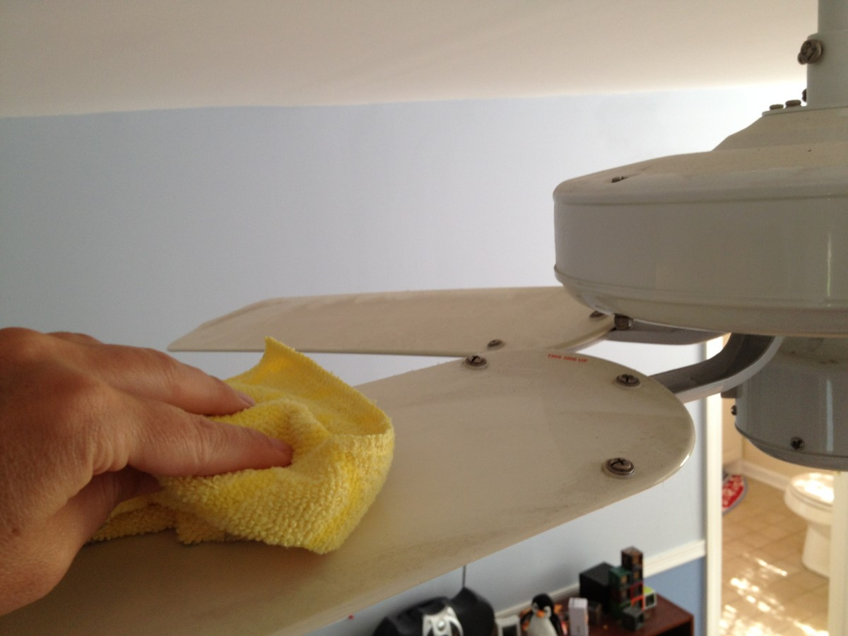 Cleaning ceiling fans: Wipe ceiling fan blades with a damp microfiber cloth.