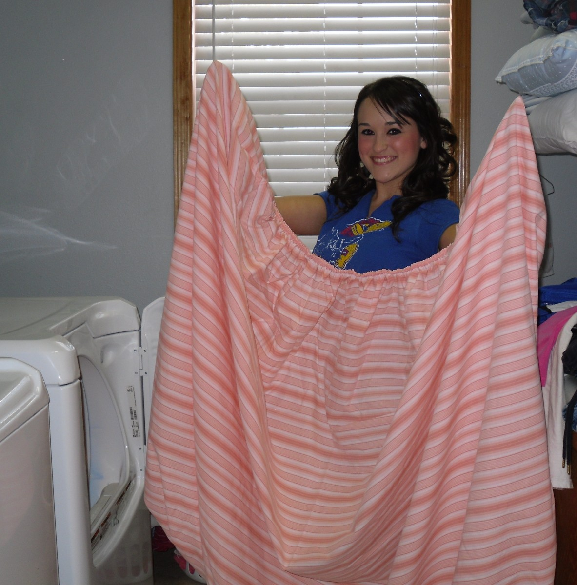 how-to-fold-a-fitted-sheet-perfectly-every-time