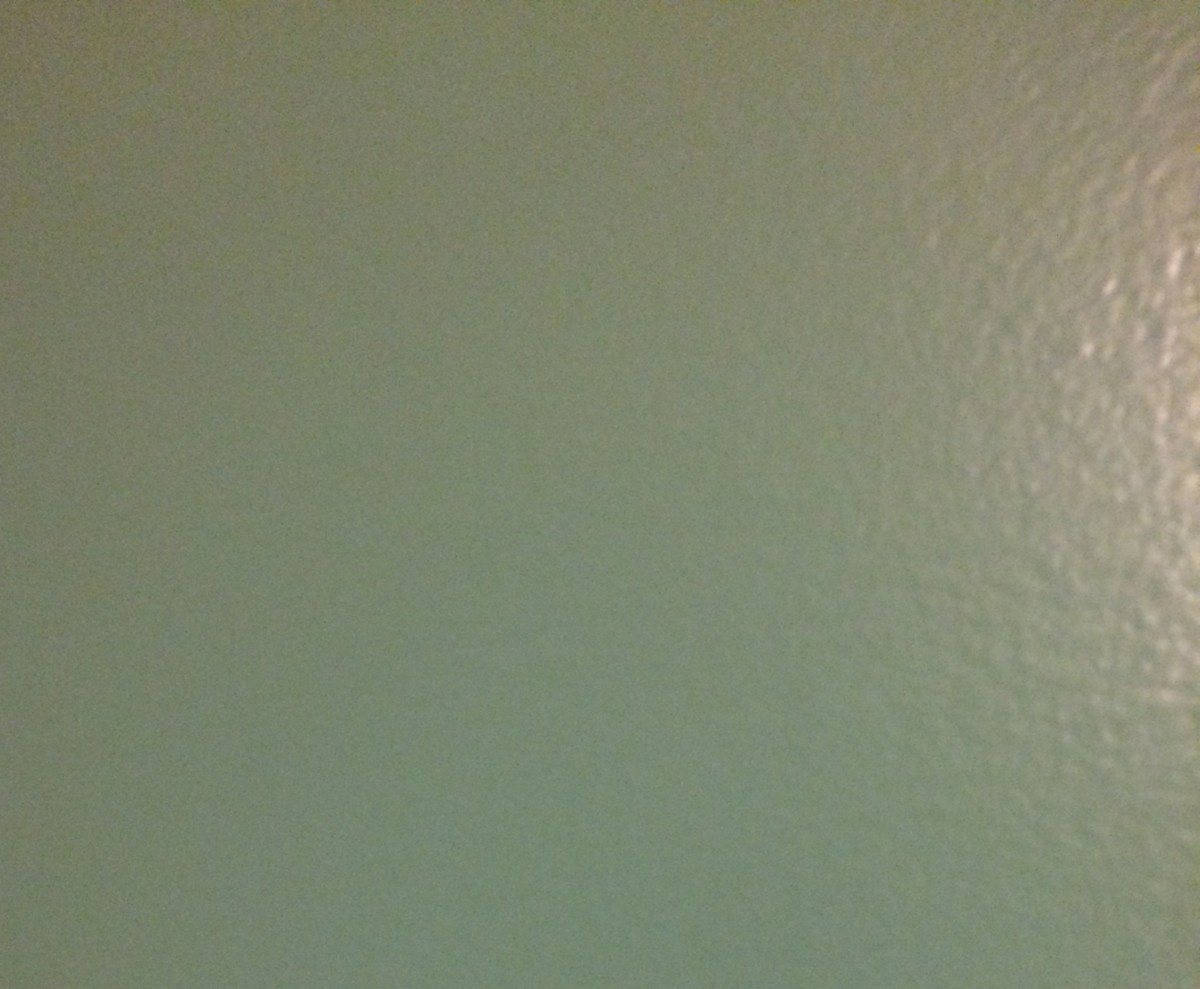 Wall color at 9:00 in the morning.
