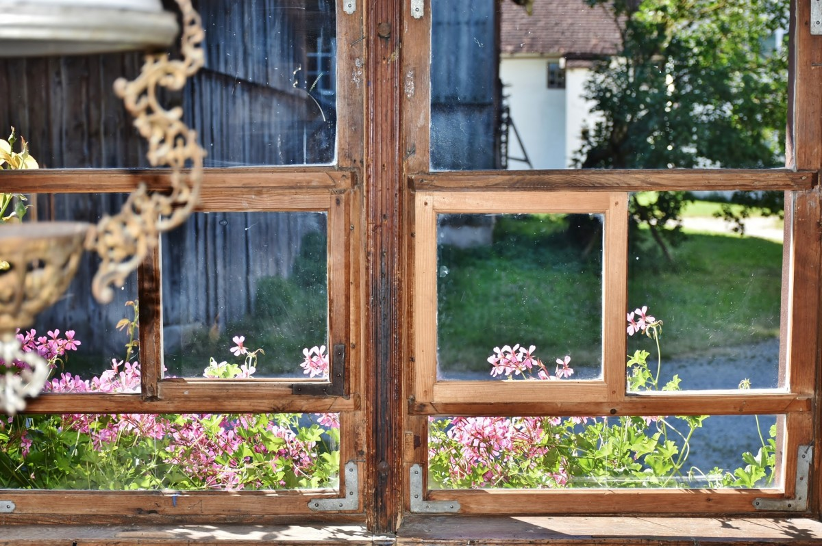 Prolific writers such as Virginia Woolf and George Bernard Shaw turned ordinary woodsheds and garden cottages into private writing retreats.